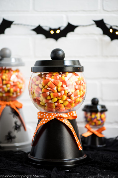 9 Halloween Crafts That Are Super Cute Without Being Cheesy: Candy Jar