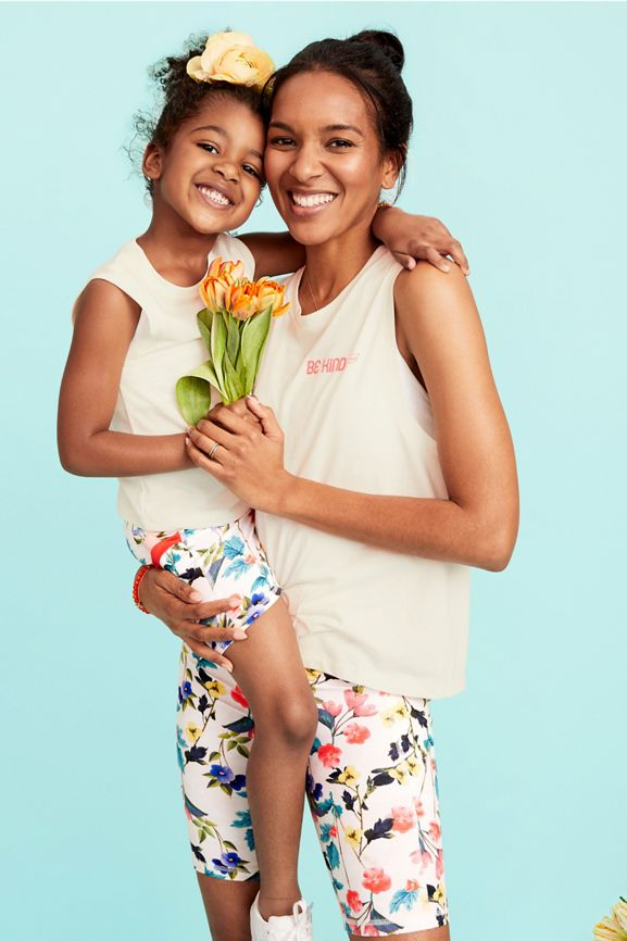 FL200418-1fabletics mommy me activewear 2