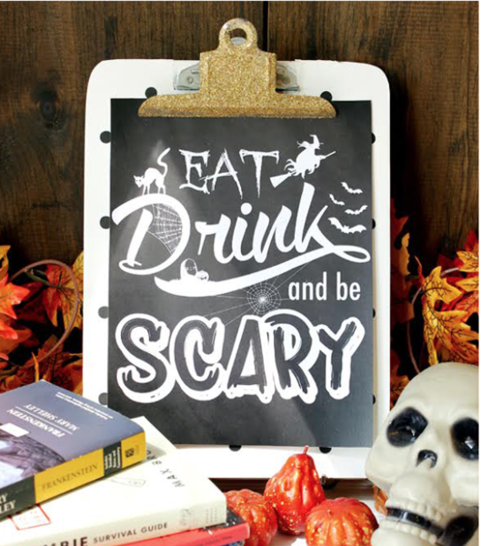 9 Halloween Crafts That Are Super Cute Without Being Cheesy: Halloween Chalkboard Art