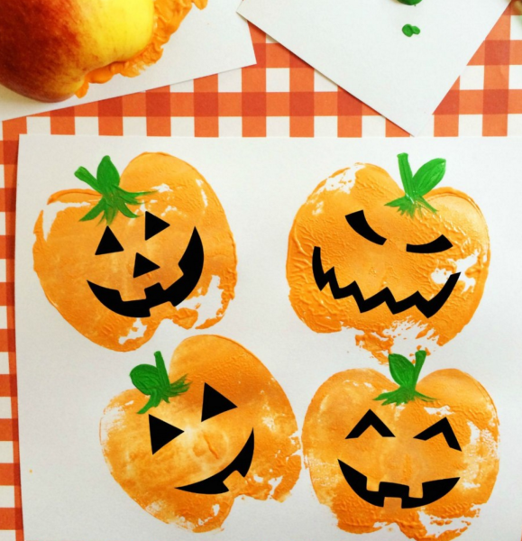 9 Halloween Crafts That Are Super Cute Without Being Cheesy: Pumpkin Apple Stamps