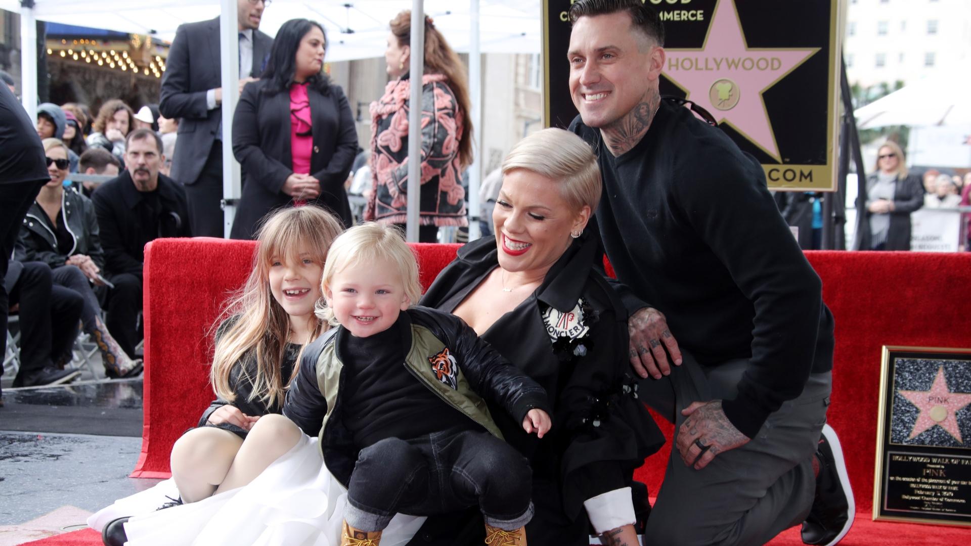 Pink's Man Carey Hart, öppnar upp om fru och son kamp med Coronavirus