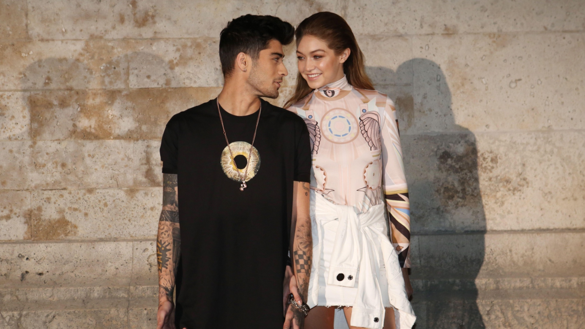 Gigi Hadid Is Pregnant, Expecting First Child With Zayn ...