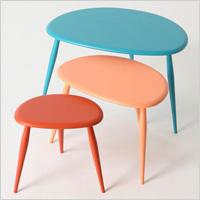 Neat nesting tables