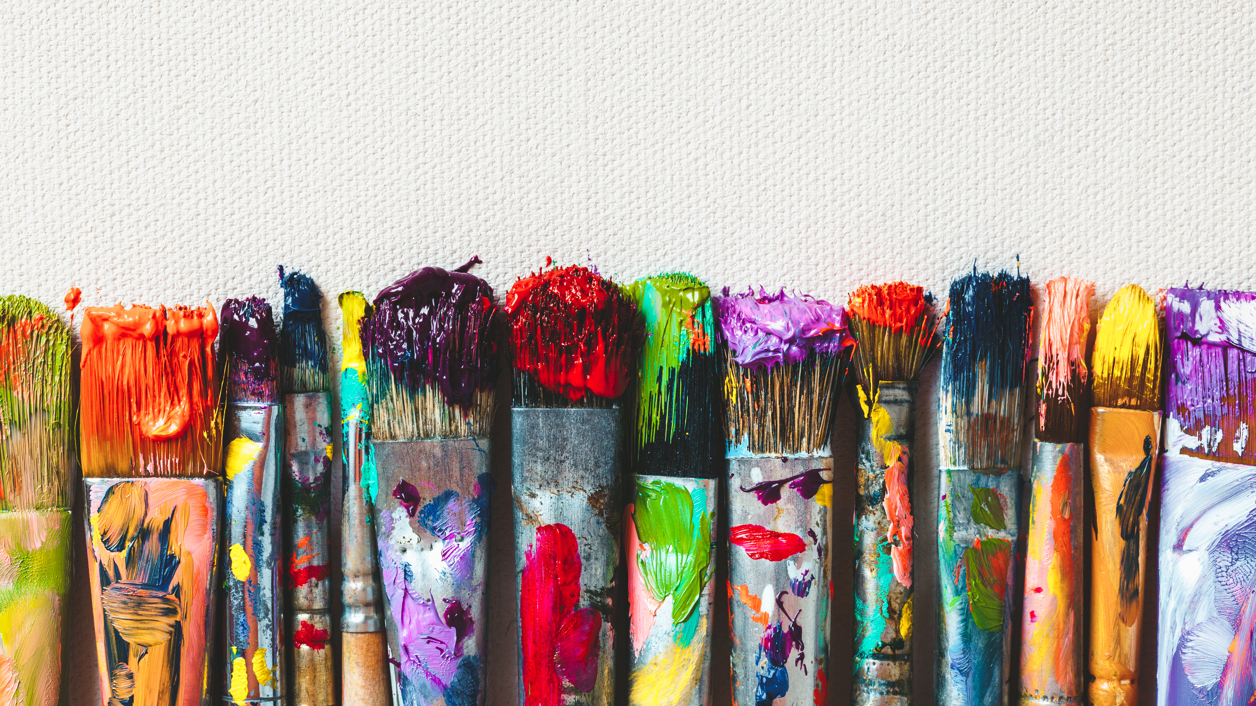 These High Quality Oil Paint Brushes Will Help Bring Out Your Inner Artist