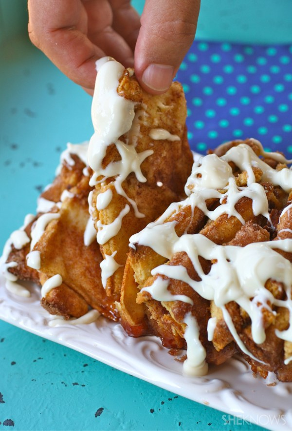 Apple-cinnamon pull apart bread with cream cheese icing
