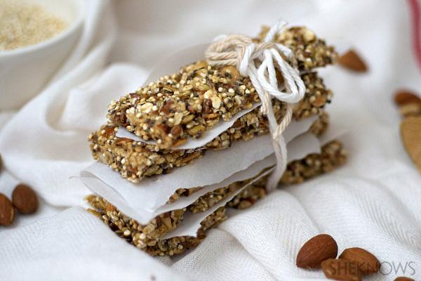 Pumpkin seed almond and quinoa granola bars