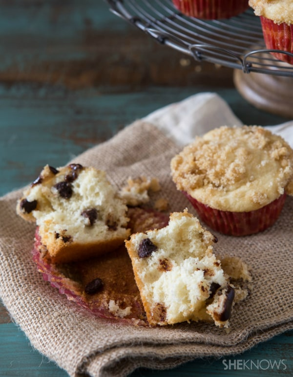 Chocolate coffee crumble muffins