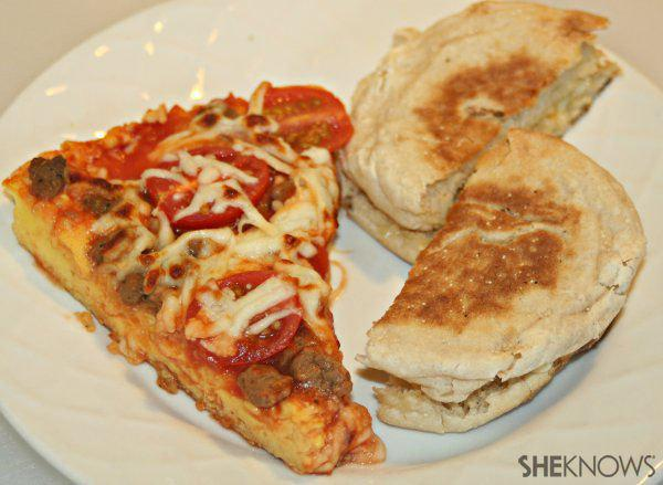 Turkey sausage and tomato pizza omelet