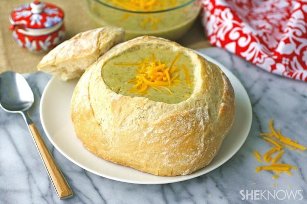Roasted broccoli, garlic & cheddar soup