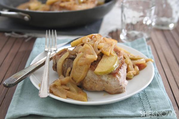 Apple cinnamon skillet pork chops