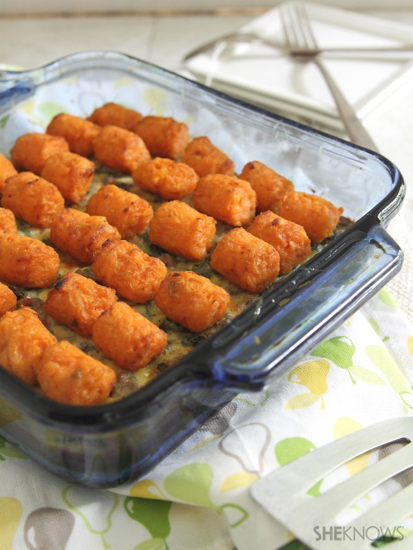 Spinach, sausage and egg tater tot casserole
