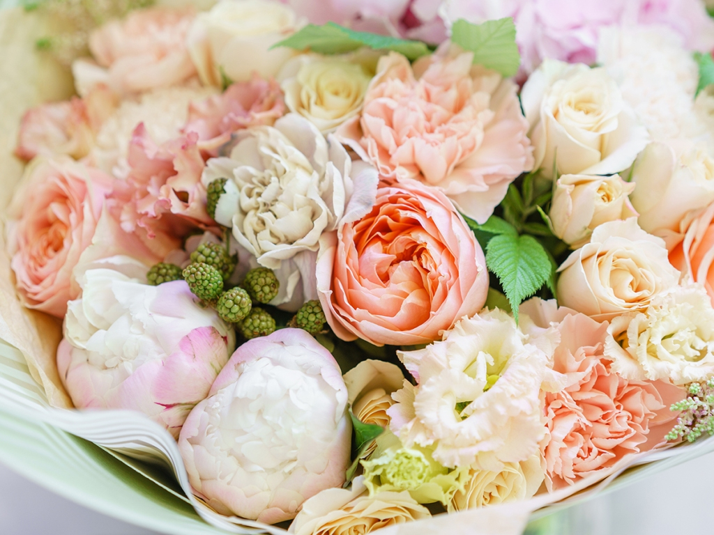 The Flower Delivery Services That Will Bring a Beautiful Bouquet Right to Your Loved One's Door