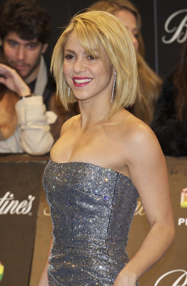 Shakira with a bob