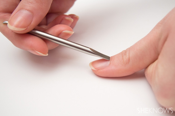 8 Step do-it-yourself French manicure: Step 3