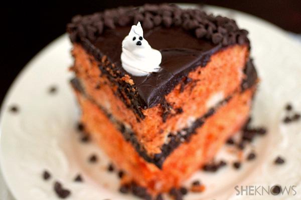 Halloween surprise cake | SheKnows.com