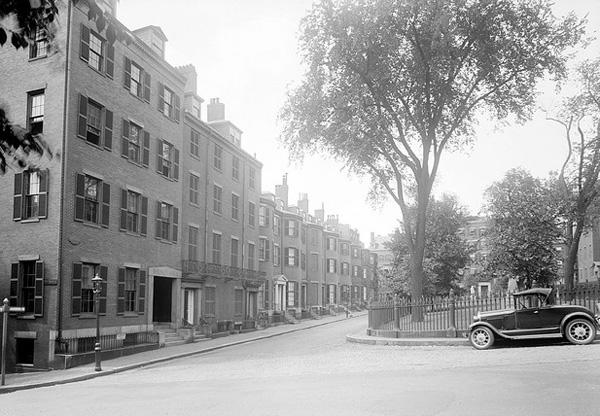 Beacon Hill's Louisburg Square