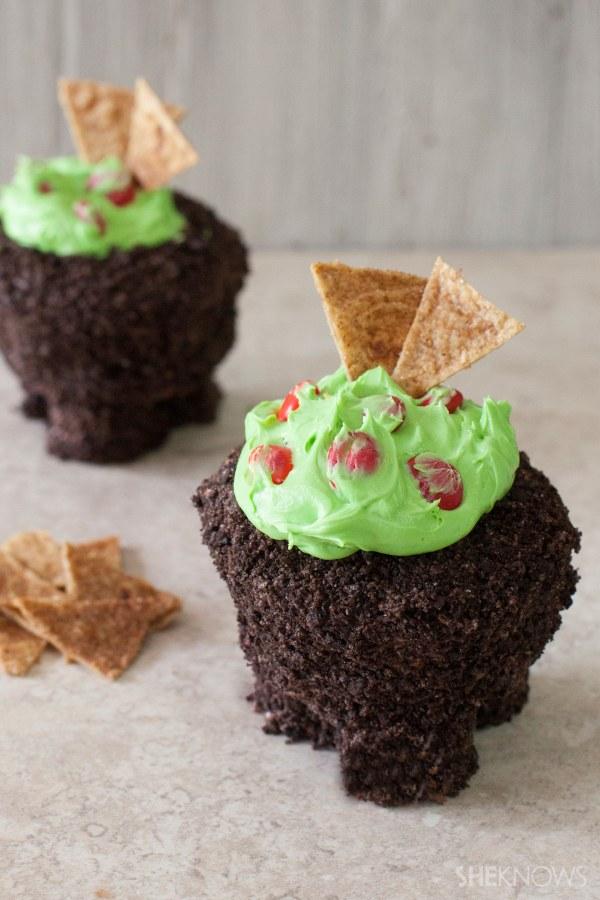 Guacamole molcajete cupcakes