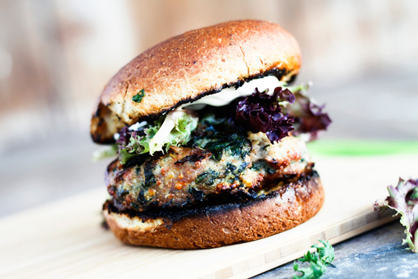 Spinach and feta grilled turkey burgers