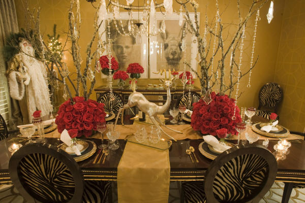 Luxurious holiday tablescape