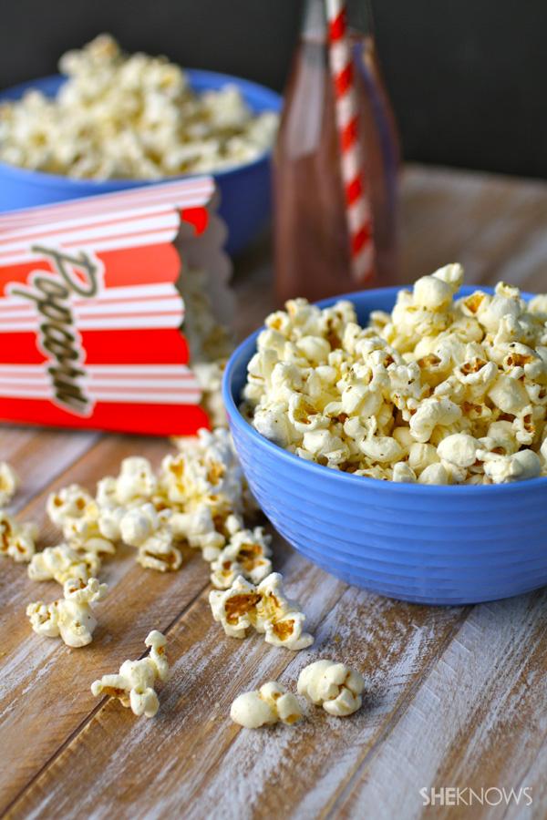 Gluten-free Pizza-flavored popcorn