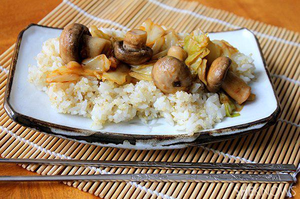 Spicy cabbage and mushroom stir fry