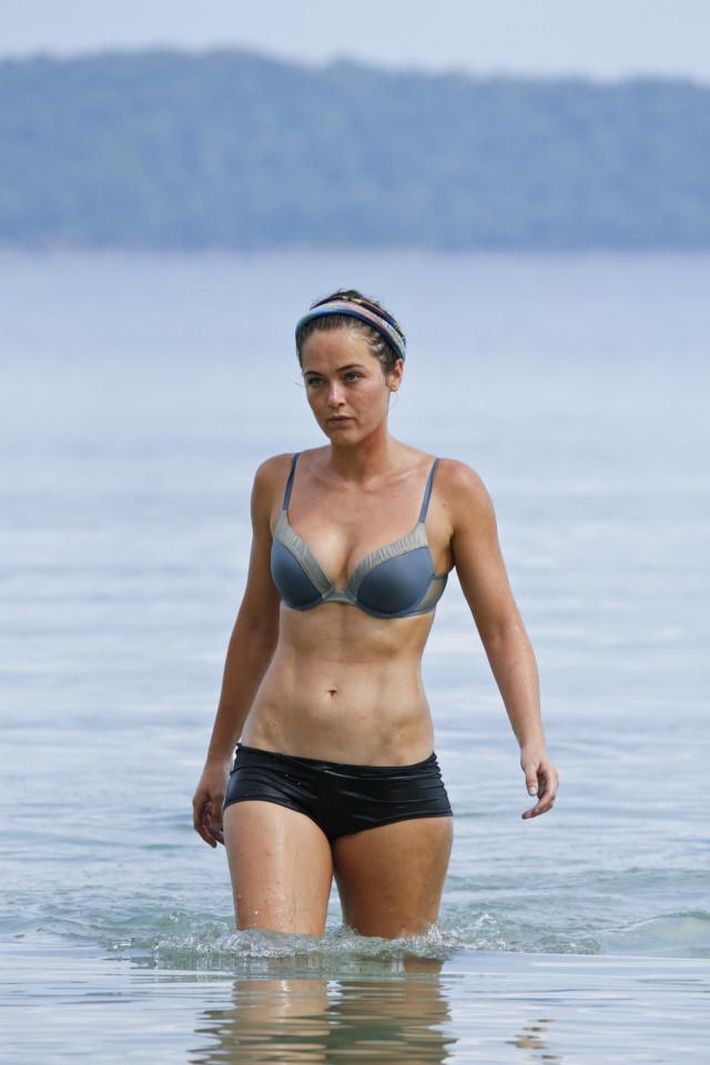 Elisabeth Markham at Brains beach on Survivor: Kaoh Rong