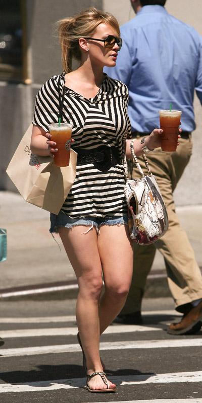 starbucks celebs - Hilary Duff