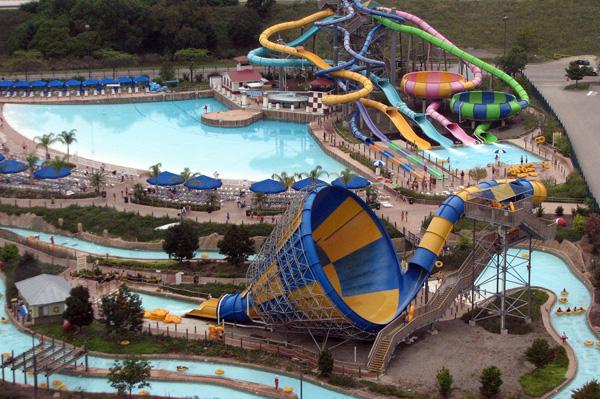 Six Flags Great America – Gurnee, Illinois