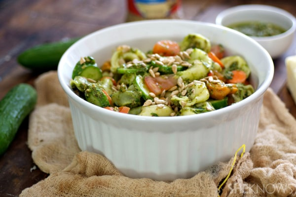 Tortellini arugula pesto salad