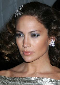 Jennifer Lopez with metallic eyeshadow