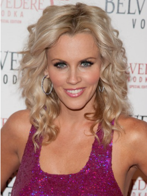 Jenny McCarthy's curly hairstyle
