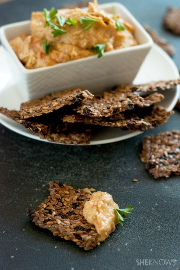 Homemade flaxseed crackers recipe