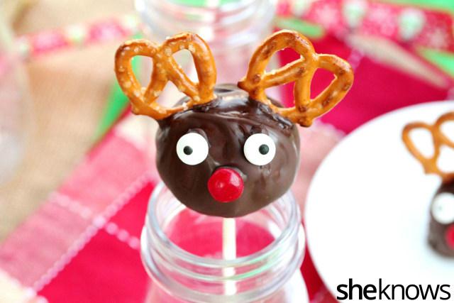 chocolate-cookie-dough-truffle-lollipops
