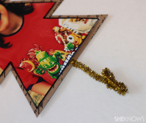 DIY photo placecards: Bend tree trunk