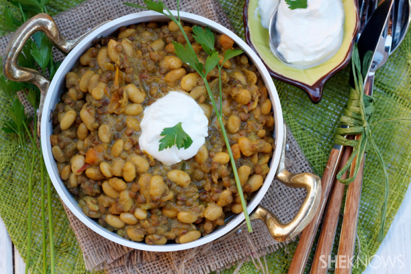 Spicy lentil and soybean curry