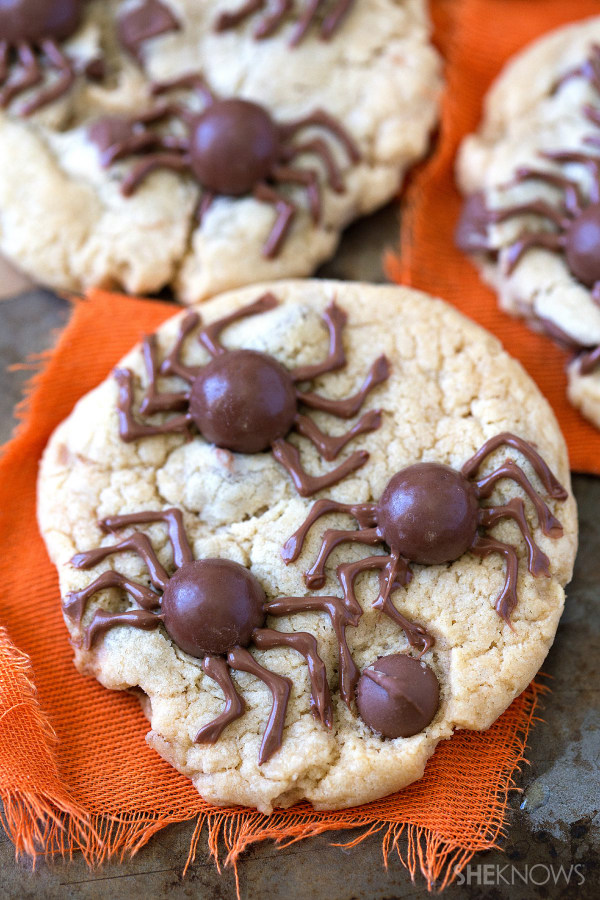 Creepy crawler cookies