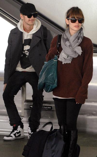 at the airport - Hayden Christensen and Rachel Bilson