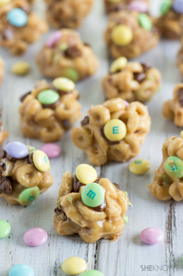 Cheerio clusters with M&M's