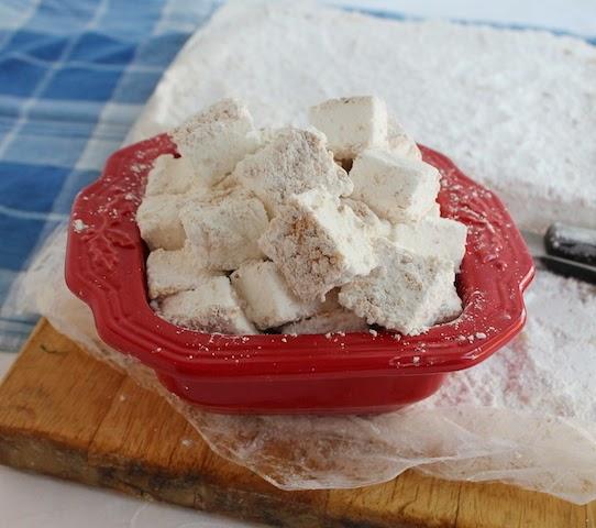 Almond marshmallows