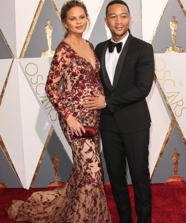 Pregnant Chrissy Teigen at the Oscars