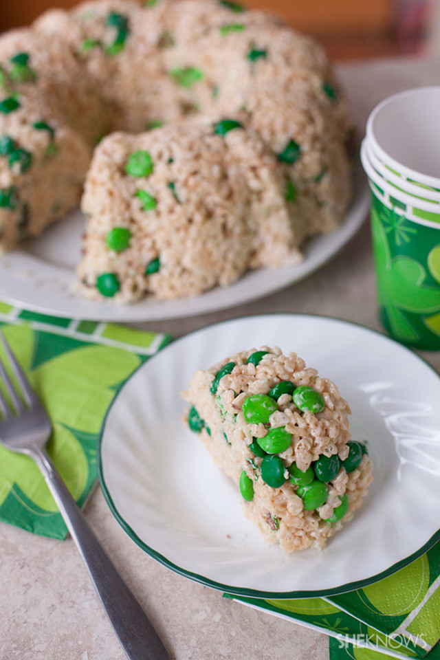 The easiest cake you can make for St. Patrick's Day