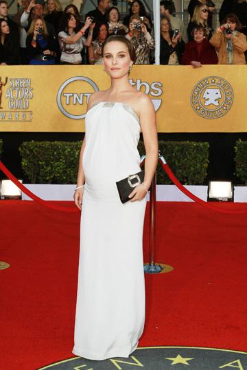 Natalie Portman at the 2011 SAG Awards