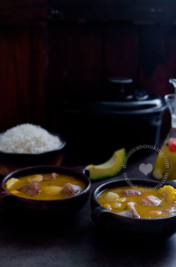 Seven meat hearty stew (sancocho de siete carnes)
