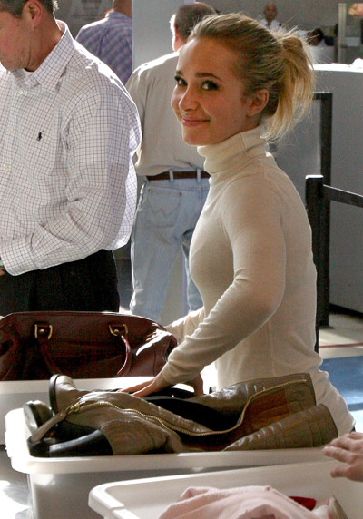 at the airport - Hayden Panettiere