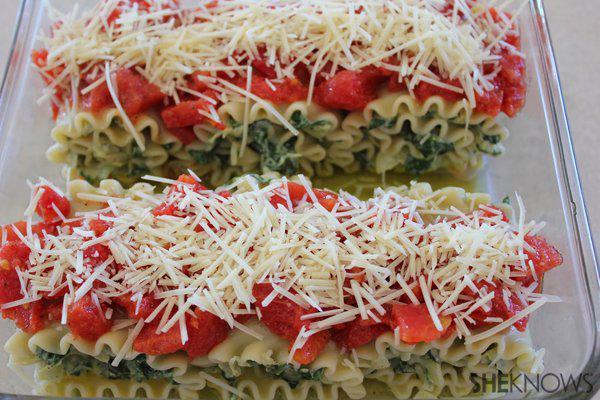 Spinach and Artichoke Lasagna Bundles