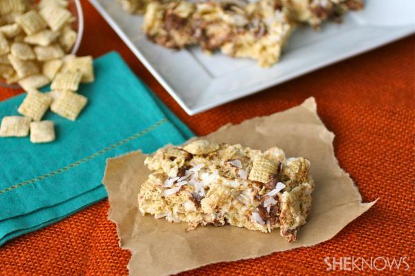 Gluten-free crunchy vanilla chocolate coconut cereal bars