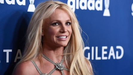 Britney Spears Self-Quarantines for 2 Weeks