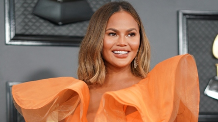 Chrissy Teigen Comes Out of Twitter
