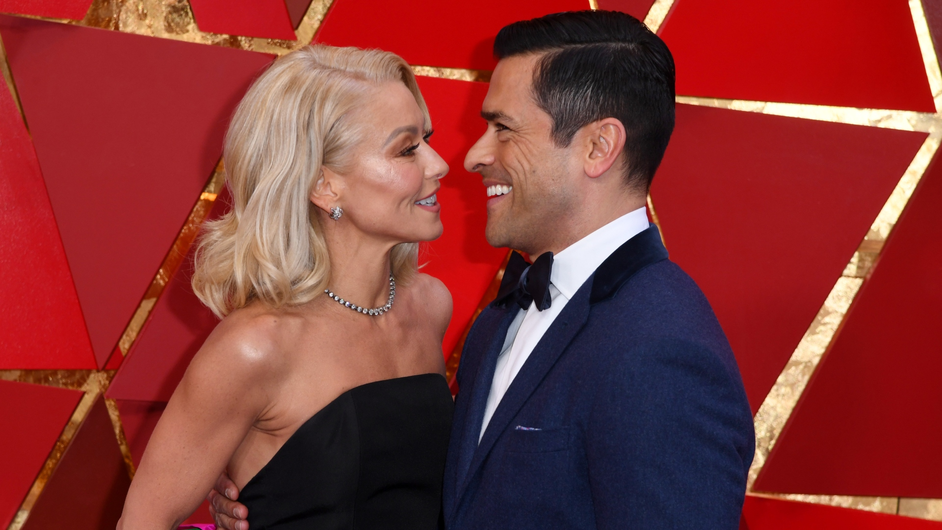 Kelly Ripa Just Surprised Hubby Mark Consuelos with the Sweetest Anniversary Tribute