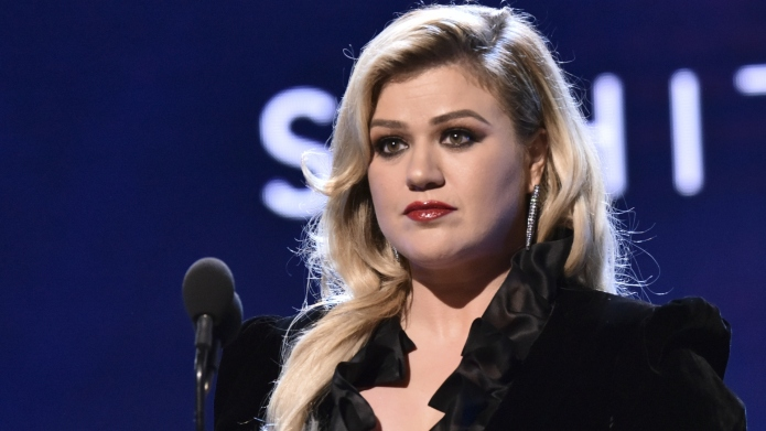 Kelly Clarkson Gets Vulnerable About Depression: